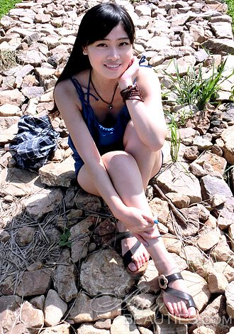 dongying girls Los angeles , may 23 ( xinhua ) - - a 27 - year-old female chinese hiker , dongying qiu , went missing at mt.